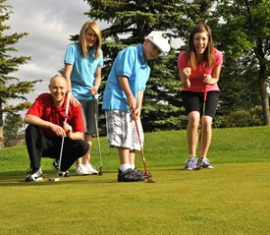 Family-Golf-300x262